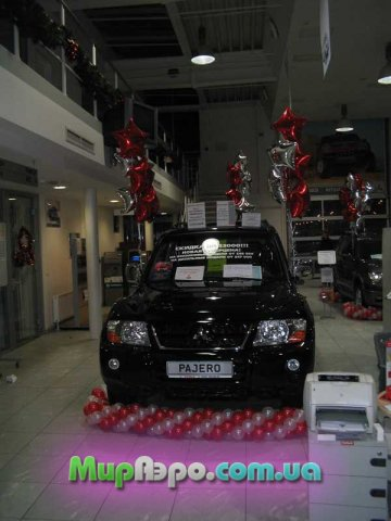 украшение автомобиля воздушными шариками
